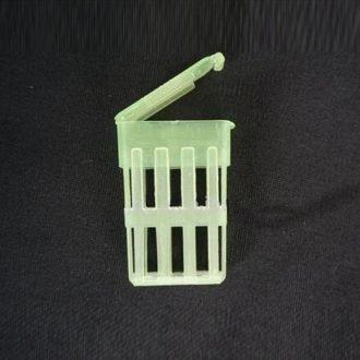 plastic-queen-cage